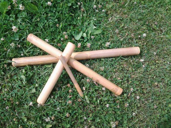 Set van 4 bamboemassagestokken.
