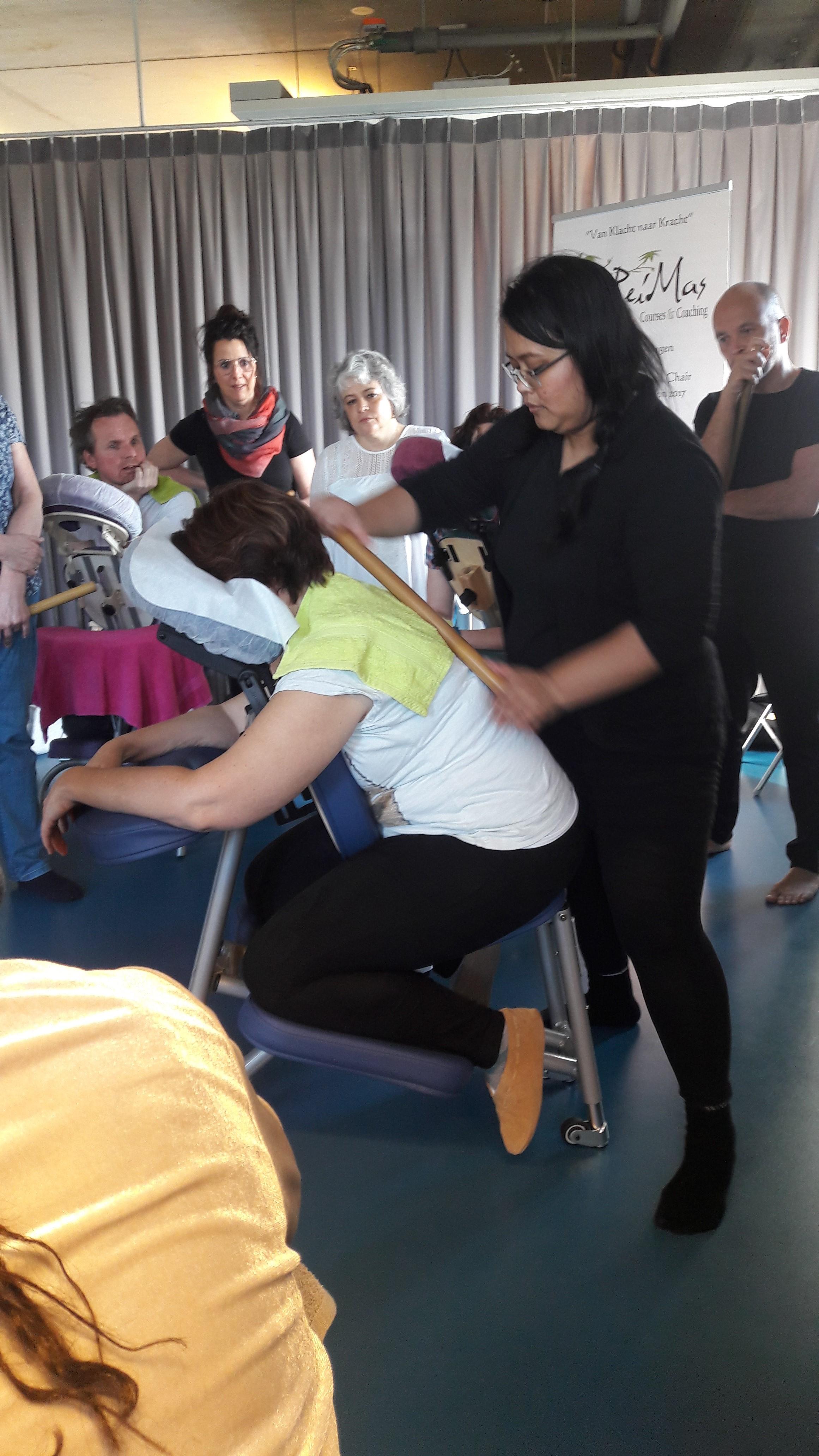 IMA gouden medaille winnares Christina Blei-Amatdoelrasit geeft in Nederland op diverse locaties cursussen workshops bamboemassage.